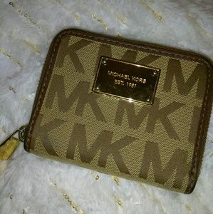 MK full zip wallet